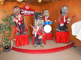 a chuck e cheese animatronic band sold on craigslist for 5 000