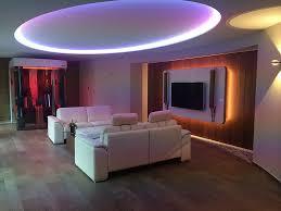 Heimkino Wohnzimmer Beleuchtung Moderne Deckengestaltung Im Wohnzimmer Afdecker Com