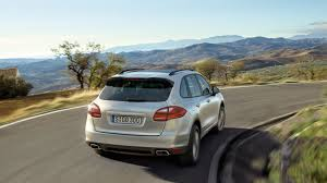 porsche cayenne diesel mpg porsche cayenne diesel improves to 32 7 mpg autoblog