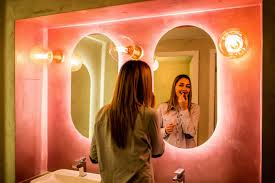 what is the best lighting for pictures the best lighting for makeup application