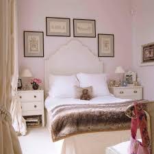 Wandgestaltung Schlafzimmer Gr Braun Funvit Com Gardinen Deko Vorschläge