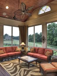 Best 25 Screened Porch Decorating by Best 25 3 Season Porch Ideas On Pinterest 3 Season Room Three