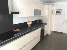 cuisine blanche sol noir cuisine blanche sol noir cuisine carrelage noir collection et