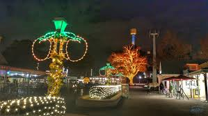 Six Flags Ga 5 Things To Enjoy Besides Rides At Six Flags Holiday In The Park