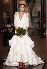 carolina herrera wedding dresses save 10 on a carolina herrera wedding dress destination