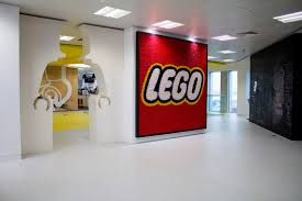 siege social lego office supports lego strategy to reach children