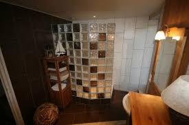 brique de verre cuisine carreaux de verre salle de bain mettons des briques de verre dans