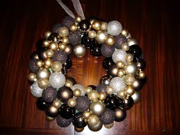 diy ornament wreath hovnet