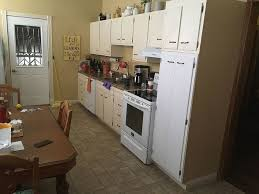 what wall color looks with maple cabinets what sherwin williams wall paint color compliments maple