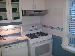 How To Install Glass Mosaic Tile Backsplash In Kitchen Kitchen White Kitchen Having White Ceramic Back Splash Using