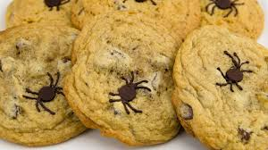 spider chocolate chip cookies halloween chocolate chip cookies