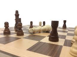 Amazon Chess Set Amazon Com Hansen Games Classic Natural Wood Wooden Chess Set 15