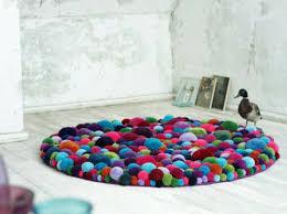 designer teppich designer teppiche aus bommeln der berliner designerin myra klose