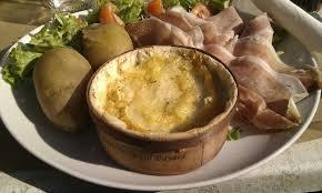cuisiner un mont d or recette fondue au mont d or