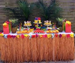 Hawaian Decorations Party Trends Hawaiin Themed Party For Moms 75th Pinterest
