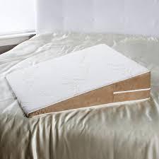 bed wedge pillow amazon com avana bed wedge acid reflux memory foam pillow queen