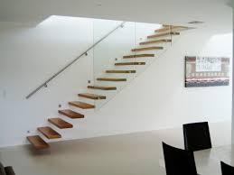 treppen holzstufen freitragende treppe coole ideen archzine net
