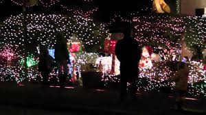 Zoo Lights Seattle by Menashe Family Christmas Lights In West Seattle 2010 Youtube