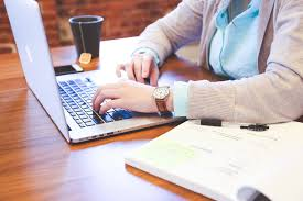 how to work with others on freelance writing jobs not against them
