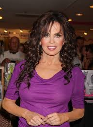 marie osmond hairstyles feathered layers marie osmond beauty riot