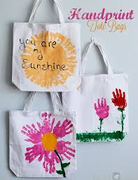 handmade personalized gifts handprint tote bags by nifty and other diy s