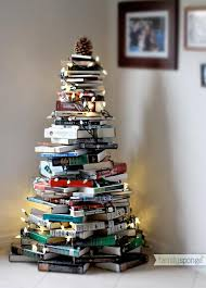 17 creative ways to use books as decorations