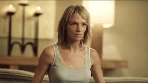 uma thurman kill bill haircut lobby list ugly guy beautiful woman movie mismatches