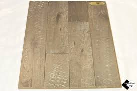 Hardwood Flooring Oak Medallion Corporation Store 4 15 16 Solid Scraped