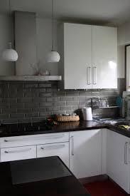 deco cuisine blanche et grise cuisines blanches et grises cuisine amenagement ilot design blanche