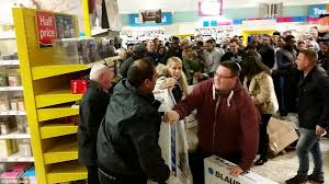 what time did target open on black friday 2014 black friday turns violent as shoppers fight over bargains daily