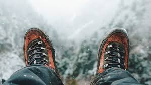how to choose the best winter hiking boots for men the manual