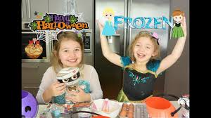 anna and elsa kids cooking baking tasty halloween cupcakes 1