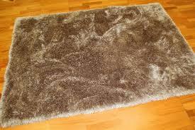 tapis shaggy tapis shaggy deluxe beige trendcarpet fr