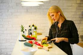 cuisiner quelqu un 10 astuces pour cuisiner healthy quand on est flemmarde les