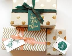 pretty wrapping paper diy tutorial festive wrapping with gift tags diy