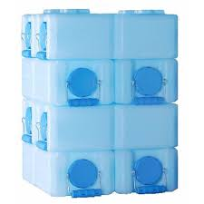 Cheap Water Storage Containers Waterbrick 3 5 Gallon Stackable Water Container Eartheasy Com