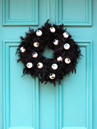 how to make a wreath with scary googly eyes how tos diy
