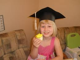 kindergarten graduation caps i used to a brain preschool graduation cap tutorial