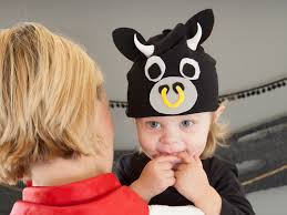 diy infant halloween costume 4 diy baby halloween costume ideas from hgtv