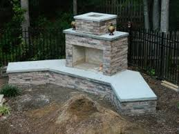 Outdoor Fireplace Surround by Best 20 Diy Outdoor Fireplace Ideas On Pinterest Small Fire Pit