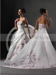 robe de mariã e grise et blanche de mariée blanc bustier plis appliques longue traîne chapelle