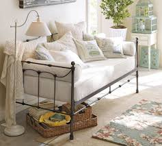 Shabby Chic Sofa Bed by Best 25 Daybeds Ideas Only On Pinterest Daybed Rustic Daybeds