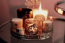 composizione di candele accendiamo il calore delle candele 4 donne per l architettura