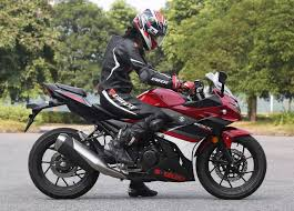 cbr 150 rate suzuki gsx 250r unveiled heaviest u0026 least powerful quarter litre