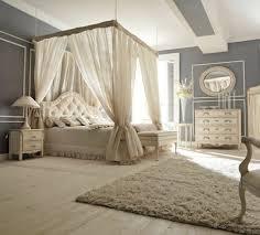 deco chambre romantique beige lit baldaquin pour une chambre de déco romantique moderne