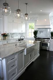 White Kitchens With Islands by Best 25 Dark Kitchen Cabinets Ideas On Pinterest Dark Cabinets