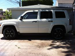 silver jeep patriot black rims dream car jeep patriot 2014 in bright white with charcoal