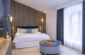 hotel avec dans la chambre vaucluse hôtel de charme provence chambres château de massillan