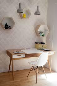 petit bureau de travail petit bureau scandinave petit bureau annes en teck brun tiroirs