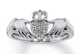 claddagh ring story ring claddagh rings amazing the claddagh ring 1 carat diamond